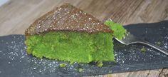 Opskrift på lækker version af den gamle kending - Giftkage. Den skønne grønne bradepandekage med en let mandelsmag, og et lækkert låg lavet af smeltet mørk pålægchokolade. Opskriften er den helt klassiske.