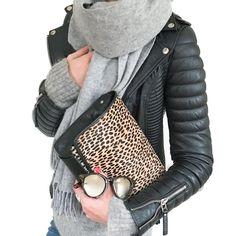 "@mademoiselle__k sanoo Instagramissa: ""#ootd #hm #hmtrend #hmtrendsweater #hmscarf #hmootd #bodaskins #bodaskinsleatherjacket #lespecs #lespecssunglasses #lloydandwolf…"""