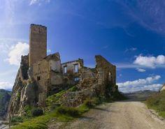 Castello di Pietratagliata (Sicilia).  //  Castle of Pietratagliata (Sicily, Italy).