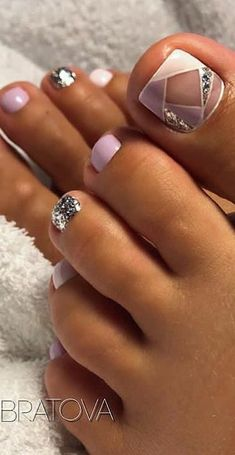 Free Oriflame Pedicure Daily Routine Foot Care Ideas New 2019 – Page 26 of 35 – stunnerwoman. com pedicure ideas; Pretty Toe Nails, Cute Toe Nails, Gorgeous Nails, Cute Toes, Pedicure Colors, Pedicure Nail Art, Jelly Pedicure, Fish Pedicure, Pedicure Chair