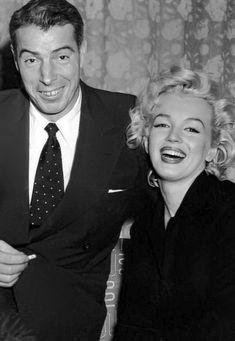 Marilyn Monroe Hair, Marilyn Monroe Costume, Marilyn Monroe Photos, Old Hollywood Stars, Classic Hollywood, Joe Dimaggio, Actor Studio, Norma Jeane, Most Beautiful Women