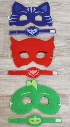pj masks mask and bracelet Pjmask Party, Kid Party Favors, 4th Birthday Parties, 3rd Birthday, Pj Masks Costume, Costumes, Festa Pj Masks, Disney Junior, Disney Jr