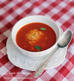 Tomato soup made with home-grown tomatoes. Tomato soup with grilled tomatoes. Roasted Tomato Soup, Tomato Soup Recipes, Grilled Tomatoes, Romanian Food, Raw Vegan, Food Hacks, Food Tips, Tortillas, Stew