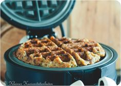 Brotwaffeln Source by jespfo Pizza Logo, High Fiber Foods, Eating Eggs, How To Cook Potatoes, Desserts To Make, Pancakes And Waffles, Waffle Recipes, How To Eat Less, Different Recipes