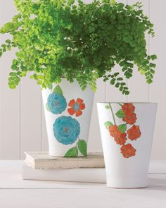 Flower pots pop when embellished with fun florals. Get through to get the project!