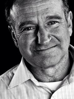 """Robin Williams """"A woman appreciates a man who can make her laugh"""" R.P Robin Williams. An amazing human being! Robin Williams, Kino Movie, You Make Me Laugh, Hollywood Actor, Hollywood Actresses, Photography Website, Famous Faces, Funny People, Belle Photo"""