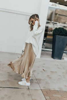 metallic pleated skirt // Adidas superstars // slouchy sweater or tee tucked in Pleated Skirt Outfit, Metallic Pleated Skirt, Long Skirt Outfits, Gold Skirt Outfit, Midi Skirts, Denim Skirt, Sequin Skirt, Fashion Moda, Look Fashion