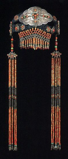 Mongolia | Woman's headdress (front view) from Khalkha, Darkham beile; Silver, turquoise and coral | ©The Splendour of Ethnic Jewelry: From the Colette and Jean-Pierre Ghysels Collection. Text: France Borel. Photographs: John Bigelow Taylor. Thames and Hudson, 1994. Page 170