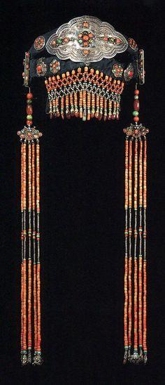Woman's Headdress from Khalkha, Darkham Beile -- Silver, turquoise & coral -- Mongolia Black Gold Jewelry, Coral Jewelry, Tribal Jewelry, Western Jewelry, Hippie Jewelry, Tribal Fashion, Moda Fashion, Hippie Fashion, Ethno Style