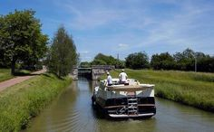 Life goes at a slower pace on the Nivernais canal, in Burgundy.
