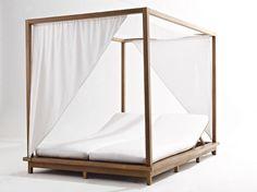 EXIT Cama de jardín con dosel by Colico diseño Giovanna Azzarello