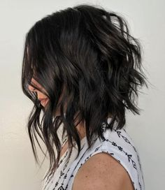 Looking for the best way to bob hairstyles 2019 to get new bob look hair ? It's a great idea to have bob hairstyle for women and girls who have hairstyle way. You can get adorable and stunning look with… Continue Reading → Medium Short Haircuts, Angled Bob Haircuts, Choppy Bob Hairstyles, Short Hair Cuts, Wavy Angled Bob, Inverted Bob, Celebrity Hairstyles, Textured Hairstyles, Messy Short Hair