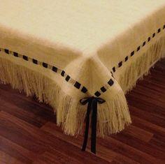 Mantel de arpillera con flecos y cinta por HouseofBurlap en Etsy