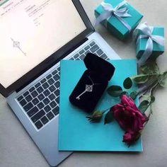 #Tiffany #necklace  World's top luxury custom expert ✈️运往全球 Ship worldwide。  店主微信‼️➕wechat:18192260697   whatsapp:+8618192260697 #Birkin#Burberry#BottegaVenta#Cartier##Chanel#Celine#Dior#Fashion#followme#Gucci#Givenchy#Giuseppezanjotti#Hermes#Kelly#Kenzo#La#Leboy#Luxury#Lv#Manoloblahnik#MCM#Rolex#Prada#Paris#style#Streetlook#SalvatoreFerragamo#vca#varsace