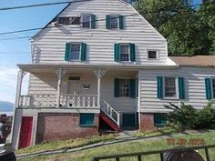 Dating back to 1785, 131 Montgomery Street is one of the 3 oldest homes left in Newburgh. It has been on and off the market for years, but now it is in foreclosure for $32,900 when just three years ago we showed this home listed at $229,800.