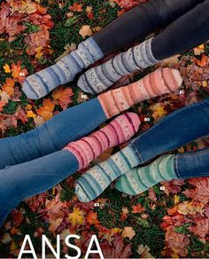 In these step by step instructions we are going to show you how to knit socks using only one ball of Katia Jacquard Symmetric Socks. Diy Crochet And Knitting, Crochet Socks, Knitting Socks, Knit Socks, Tube Socks, My Socks, Baby Cardigan, Business Card Size, Boot Cuffs