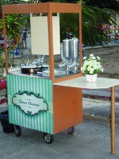 Carrinho com 100 Churros Gourmet para Eventos Mobile Kiosk, Mobile Shop, Food Cart Design, Food Truck Design, Cafe Express, Portable Sink, Mobile Food Cart, Bike Food, Coffee Carts