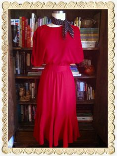 Vintage 1970s Ruffle around the edges Dress. www.beelovelyvintage.com