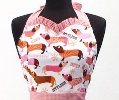 OHH!! I love this, I have been wanting to get an apron for a while now- this one would be perfect for me :)