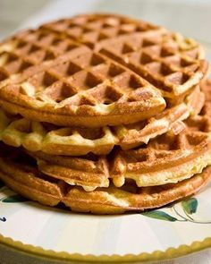 The waffles you'll get from this recipe for healthy, protein-packed waffles are fluffy and delicious! Top 'em however you like your waffles topped! High Protein Vegan Breakfast, Vegan Breakfast Recipes, Breakfast Ideas, Clean Breakfast, Easy Waffle Recipe, Waffle Recipes, Loaf Recipes, Cake Recipes, Low Carb Waffles