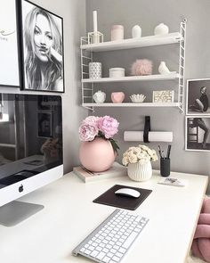 In need for some serious office space/desk decor inspiration. This cute set up is by Home Office Space, Home Office Desks, Office Workspace, Decoration Inspiration, Room Inspiration, Decor Ideas, Dream Rooms, Home Design, My Room