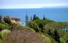 Wayfarers Chapel, Rancho Palos Verdes, CA Wayfarers Chapel, Place Of Worship, Monument Valley, Places Ive Been, Wedding Planner, Beautiful Places, Places To Visit, Country Roads, Community