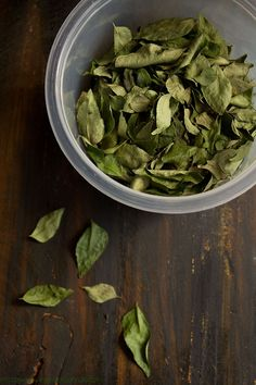 how to preserve and store curry leaves also known as kadi patta. this is a simple method for preserving the curry leaves. curry leaves are not available everywhere.