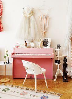 styling + pink piano