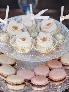 Luxurious Floral Romantic Wedding in Marbella Cake Table, Dessert Table, Glitter Cake Pops, 60 Wedding Anniversary, Flower Cupcakes, Floral Cake, Party Desserts, Sugar Flowers, Floral Wedding