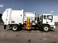 2017 Autocar ACX single axle with New Way Sidewinder 20yd. Custom built for tight alley pickup and exceptional turning, for the City of Rock Hill, SC.