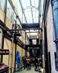 "[#StreetArt] Soirée lancement livre ""#Truskool. 1 histoire du #graffiti à #Toulouse"" d'O. Gal avec membres de la team Truskool à Prép'Art 51 rue de Bayard  #graff #culturesurbaines #toulousegraff #toulousestreetart #sprayart #urban #urbanart #mural #spray #bombing #instagraffiti #streetphotography"