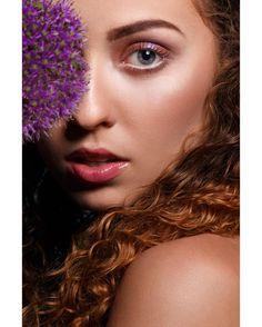 Beauty shoot with @meryannek make up:@trotylka #portrait #portraitmode#oneofmyfavclick #fashionista #people#portraitpage #closeup#beauty #glamour #fashion #polishgirl#fashionphoto #photographer#photoshoot#studio #beautyphotography#insprationstyle#makeupart #makeupartist#freckles #redhair#modelka #beautymodel #model#dominikakubinska