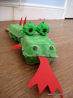 dragon en boites à oeufs recyclées - dragon craft by Cathy @ Nurturestore.co.uk