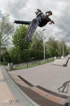 Pro Rider Soly Bloomfield at the Wiltshire Skate Series ! Thank you Ryan Goold for the picture.