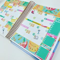 Just uploaded a plan with me on my monthly spread kit! www.youtube.com/glamplanner