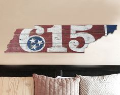 Tennessee State Flag Nashville 615 by on Etsy Barn Wood Crafts, Pallet Crafts, Pallet Art, Tennessee Tattoo, Tennessee Flag, Wolf Silhouette, Diy Arts And Crafts, Hobbies And Crafts, College Dorm Art