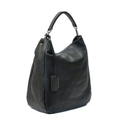 GIANNI CHIARINI BAG BS3251 Black.  Large leather shoulder bag. Zipped main closure, leather adjustable strap, inside zippered pocket. Made in Italy #giannichiarini #madeinitaly #madeinitalybags #bags #handbags