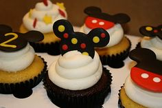 Some friends of mine asked for 5 dozen Mickey Mouse cupcakes for the joint birthday party for their amazing 2 year-olds. Mickey Mouse Desserts, Bolo Do Mickey Mouse, Mickey And Minnie Cake, Fiesta Mickey Mouse, Mickey Mouse Cupcakes, Mickey Cakes, Mickie Mouse Party, Mickey Mouse Clubhouse Party, Mickey Mouse Parties