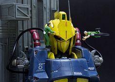 【完成品】機動戦士Ζガンダム 「百式」 ヘッドディスプレイ メンテナンスジオラマ_画像2