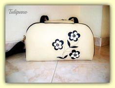 Csinos pakolós táska bézs-feketében Suitcase, Briefcase