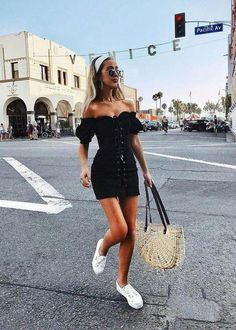 15 Summer Street Style Trends Were Totally Obsessed With 2019 cute summer street style outfits! The post 15 Summer Street Style Trends Were Totally Obsessed With 2019 appeared first on Outfit Diy. Street Style Trends, Street Style Outfits, Street Style Summer, Summer Fashion Outfits, Cute Summer Outfits, Spring Outfits, Casual Outfits, Summer Dresses, Ladies Fashion