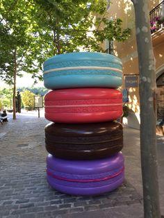 Y así caminando... Los macarons gigantes cortesía de @racomila