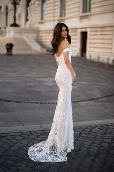 Dalia - White Floral Embellished Off-Shoulder Mermaid Gown Lace Mermaid Wedding Dress, Mermaid Gown, Dream Wedding Dresses, Pink Gowns, White Gowns, Nude Prom Dresses, Formal Dresses, Formal Prom, Gold Sequin Gown
