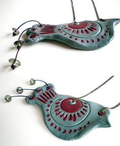 Clay Birds ~ LoVe the beaded tail feathers.....:)