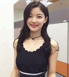 김유정 캣우먼 변신 '깨물어 주고픈 깜찍함'