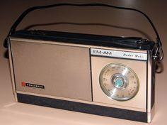 The radio works great including the automatic tuning feature. Radios, Le Radio, Radio Antigua, Antique Radio, Transistor Radio, Phonograph, Box Tv, Boombox, Sound Of Music