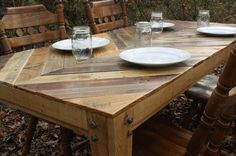Recycled Pallet Table | The Recycled Pallet Dining Table: 16 Perfect Ideas | Pallet Furniture ...