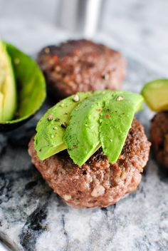 Garlic Bacon Avocado Burger recipe! We love this whole30 approved recipe for a quick & easy emergency meal! | thepikeplacekitchen.com