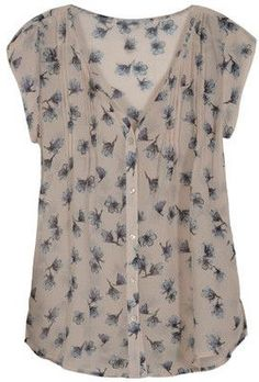 Ideas - Such a subtle and soft top! Stitch Fix - Floral V-Neck Blouse 2019 summer t shirt summer nights t shirt sleeve summer t shirt half sleeve t shirts sleeveless tee t shirt t shirt dresses shirt bobo summer cup tshirt Sommerkleider Trend 2019 Stitch Fix Outfits, Top Chic, Cute Fashion, Fashion Outfits, Fix Clothing, Stitch Fit, Stitch Fix Stylist, Dress Me Up, Pretty Outfits