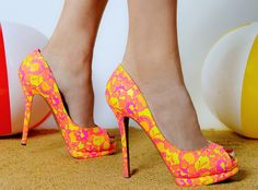 Neon pumps from Nicholas Kirkwood. Just perfect for the summer!